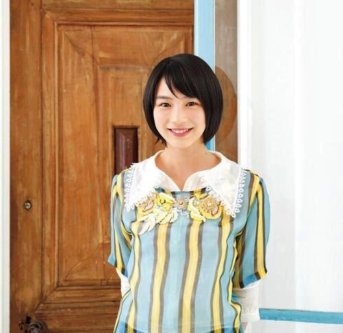 能年玲奈がブログにかわいい『おそ松さん』のコスプレ画像をアップ