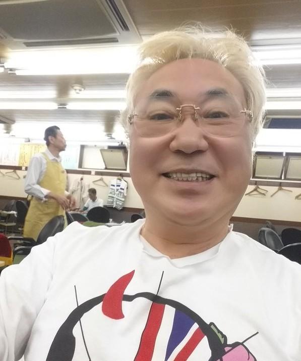 高須クリニック院長「高須克弥」熊本大地震被災者にヘリコプターで救援物資を