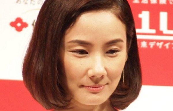 吉田羊に20歳年下のHey! Say! JUMP中島裕翔と熱愛報道・画像