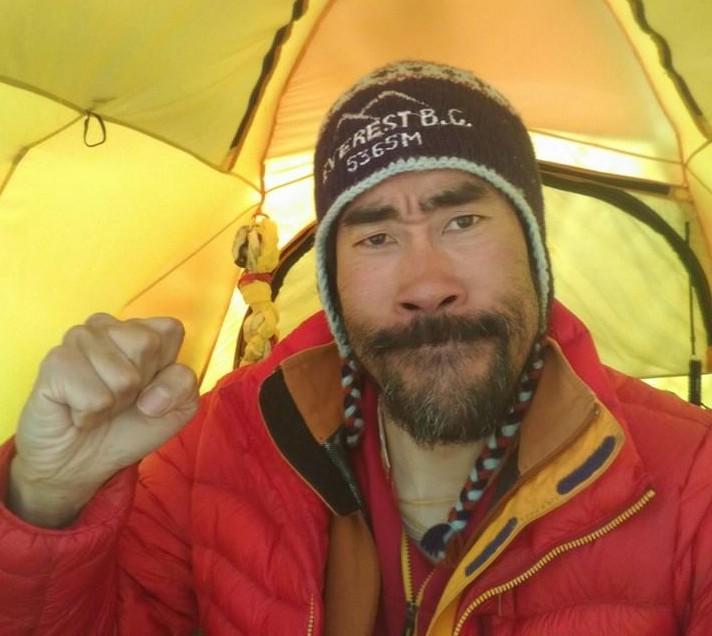 なすびがツイッターでエベレスト登頂成功を報告!費用はクラウドファンディング