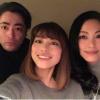 山田孝之と姉2人が仲良く変顔を披露!「山田家の顔」がスゴい事に