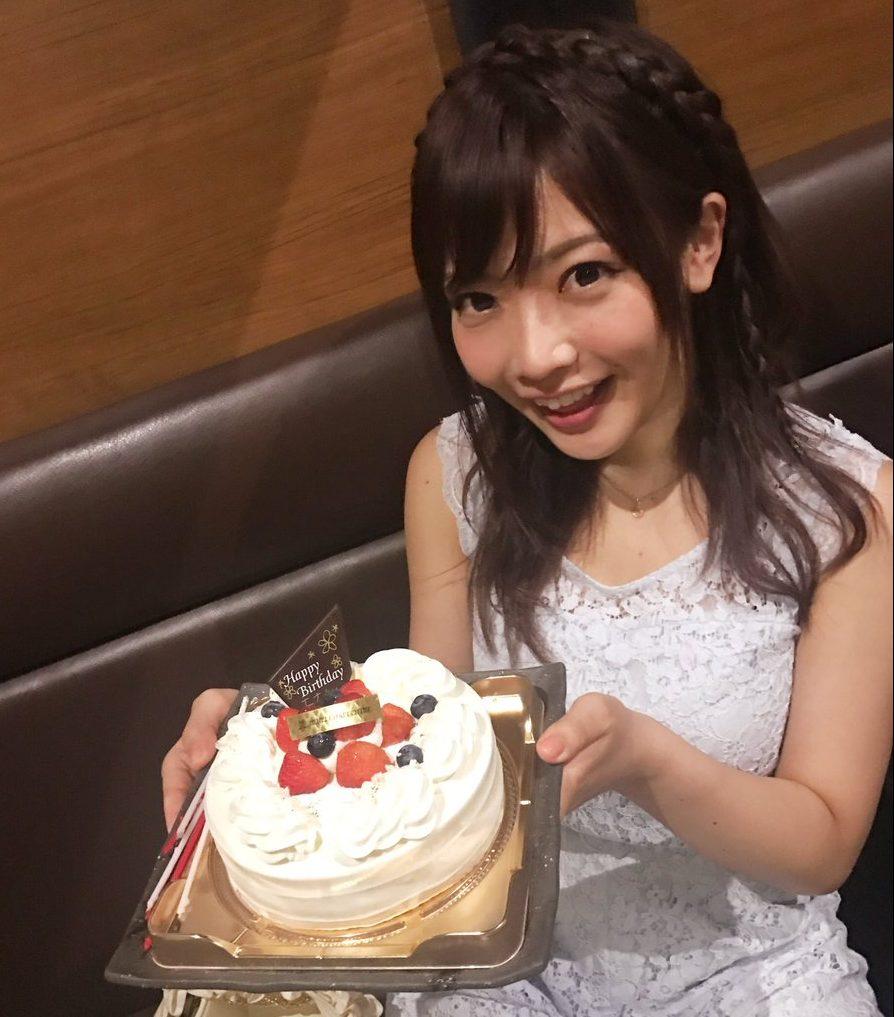 藤田恵名ライブでビキニの肩紐が!話題のLINELIVE動画・CD・プロフィール・最新情報